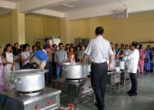 People gathered to learn cooking